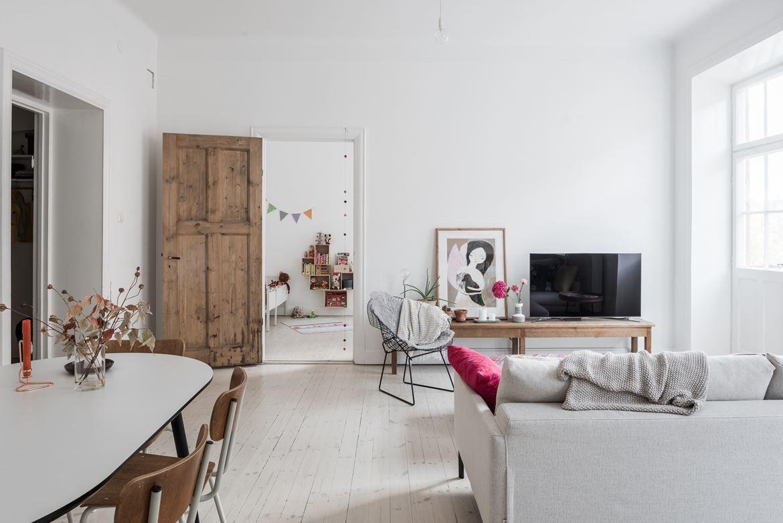 Una vivienda minimalista con decoración vintage  Deco