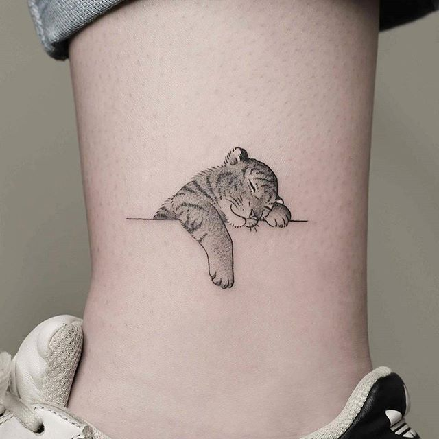 Artist Minnietattooart Auckland New Zealand Tag A Friend Who D Like This For A Chance To Be Featured Cute Animal Tattoos Tattoos Temporary Tattoo Jewelry