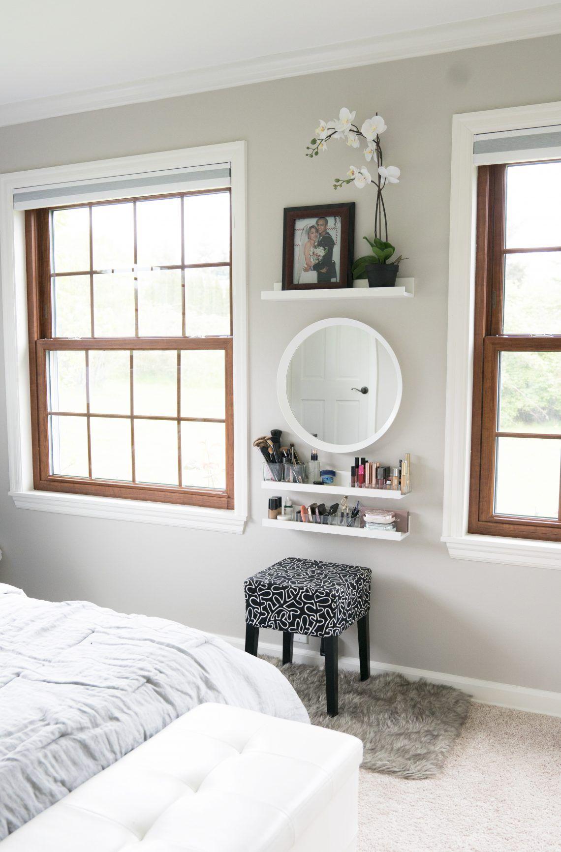 Small Bedroom Vanity: Makeup Vanity For Small Spaces & Bedrooms