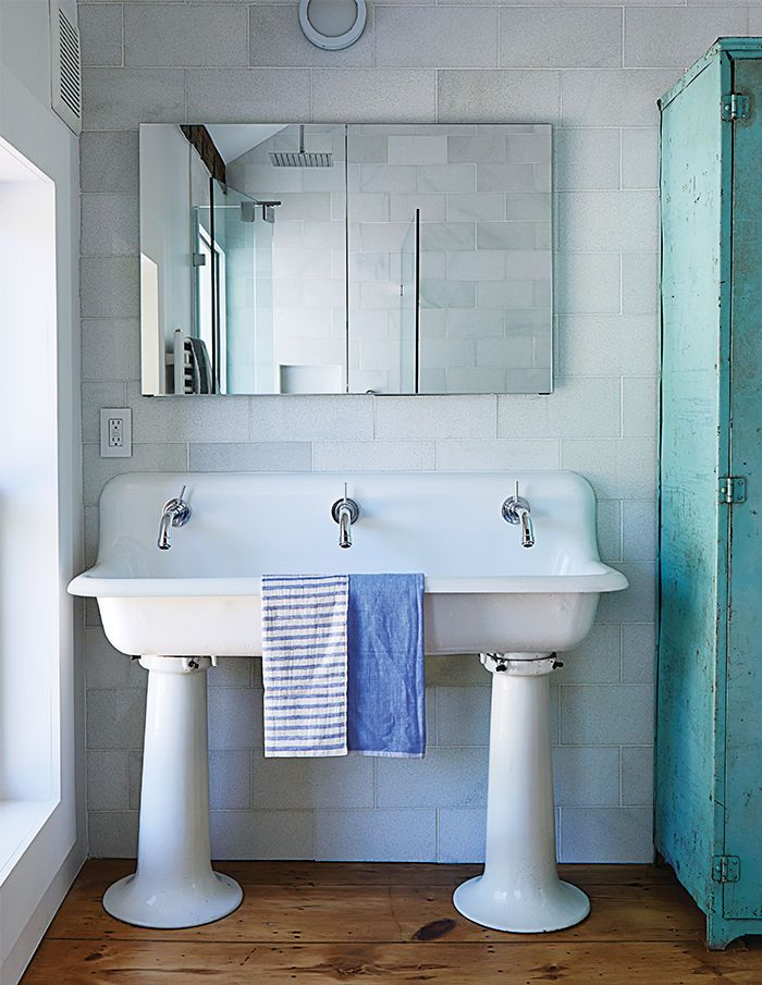 Six inventive bathroom sink ideas: Salvaged schoolhouse sink in the Twisted  Sister farmhouse