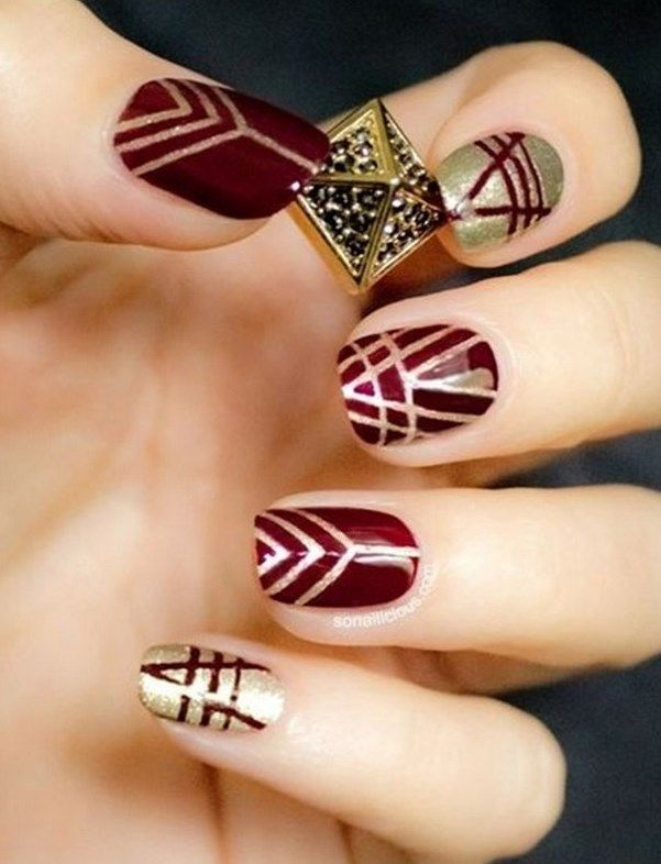 32 #Winter designs for #nails with #glitter! #nails #Beauty #gold #nailsart         Looking beautiful ideas to impress with your manicure into the holidays, but generally this winter? See the wonderful designs for nails with glitter I suggest you!  Surely our nails are in the list, for what things they want anyway grooming for Christmas Day and New Year.
