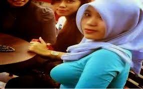 Gambar Bogel 15 Gambar Aksi Panas Selfie Gadis Bertudung Tayang Buah