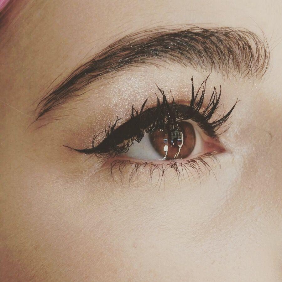 Eye liner con inspiración de los años 50