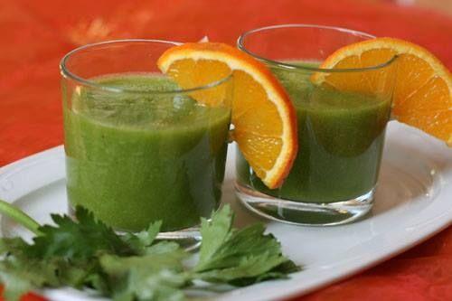 Batido verde para bajar la barriga   Media taza de melón en cubos Media taza de piña en cubos Un manojo de perejil de unos 20 gramos El zumo de una toronja