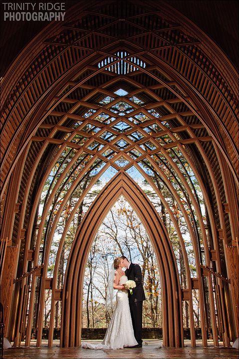 Mildred B Cooper Memorial Chapel Bella Vista Arkansas Wedding Arkansas Wedding Venues Glass Chapel Arkansas Wedding