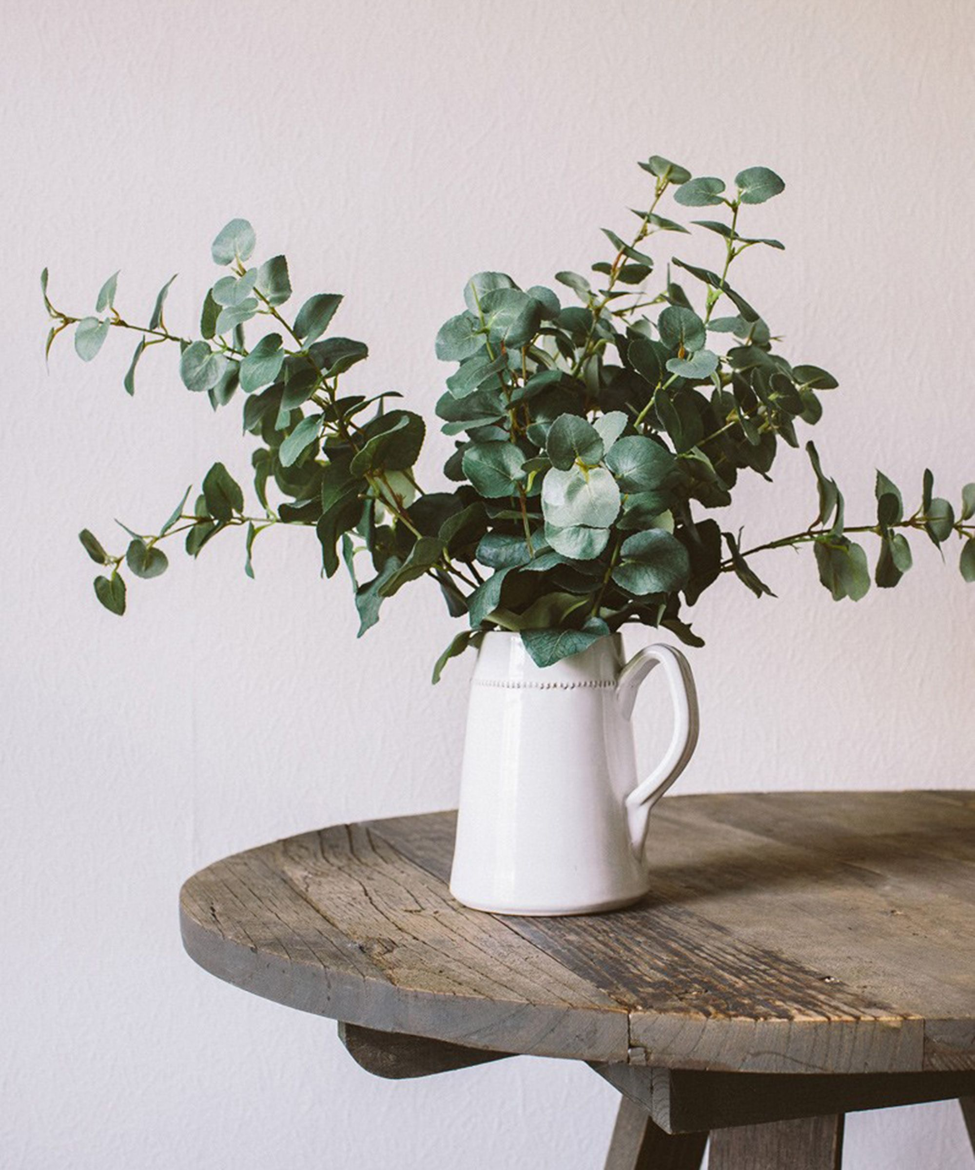 These cute artificial plants will never die on you future home