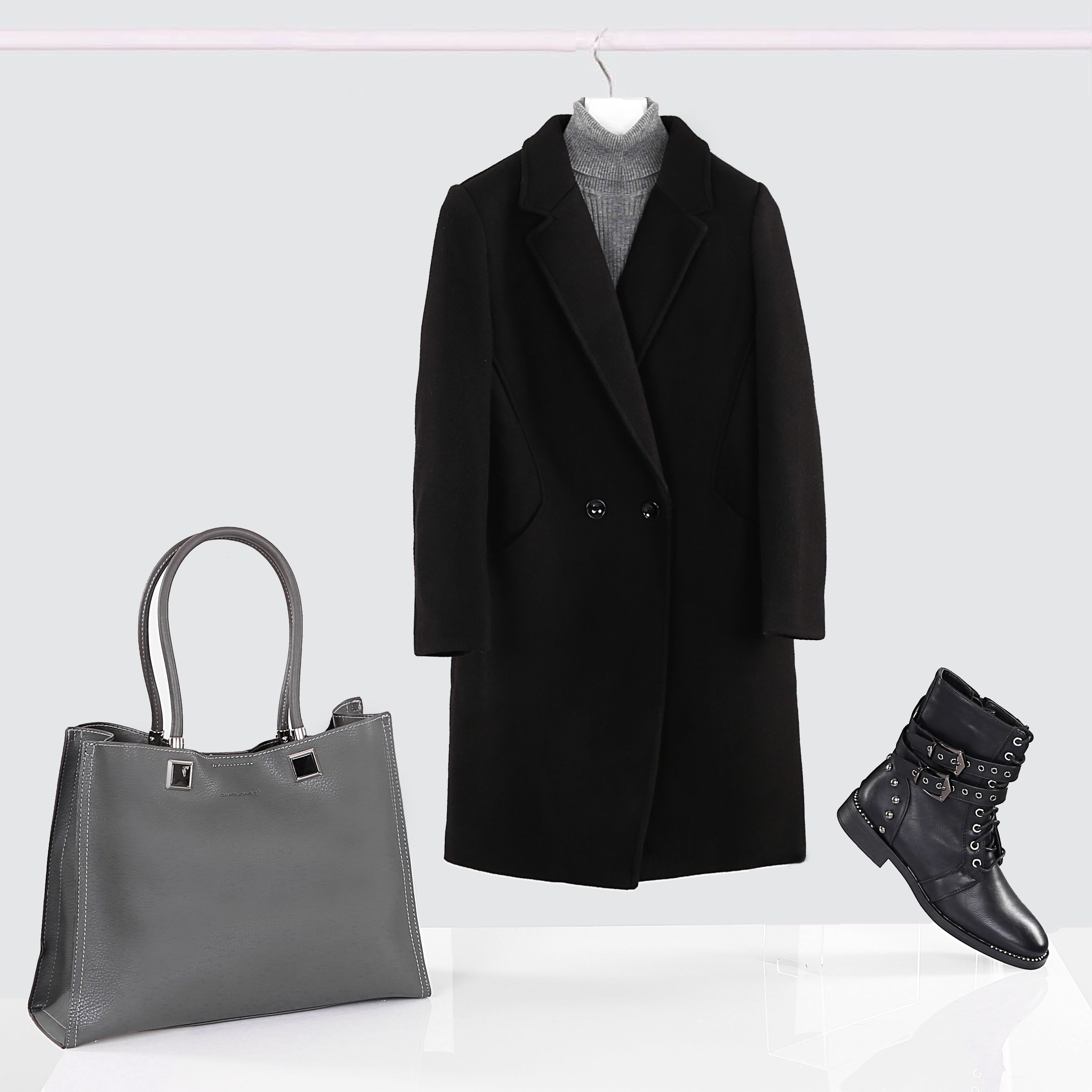 Elegant stylization with grunge shoes :) #elegant #stylization #elegantstylization #grunge #grunestyle #shoes #grungeshoes #black #allblack #blackstylization #greybag #classic #classiclook