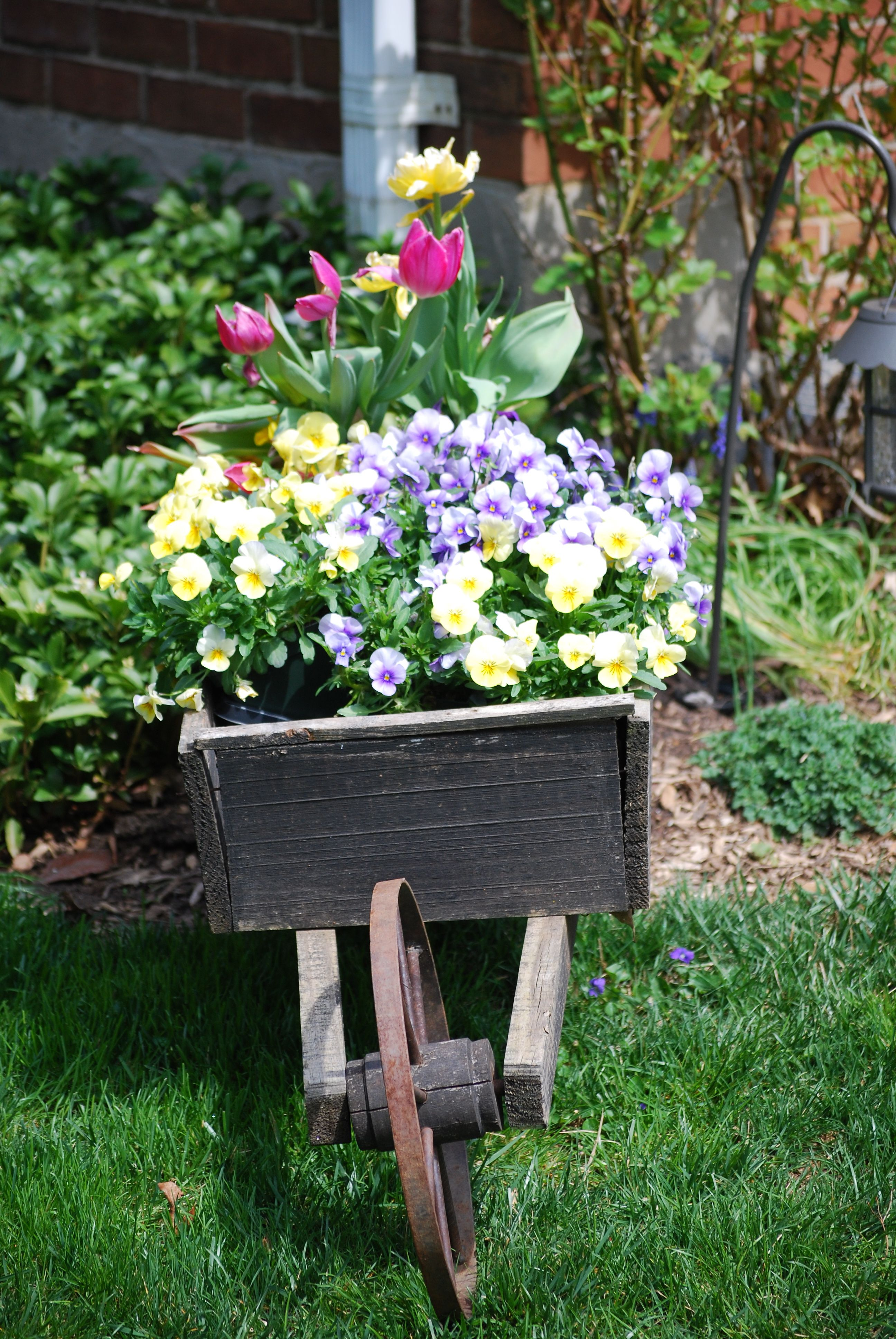 Wagon Planter Love The Pansies