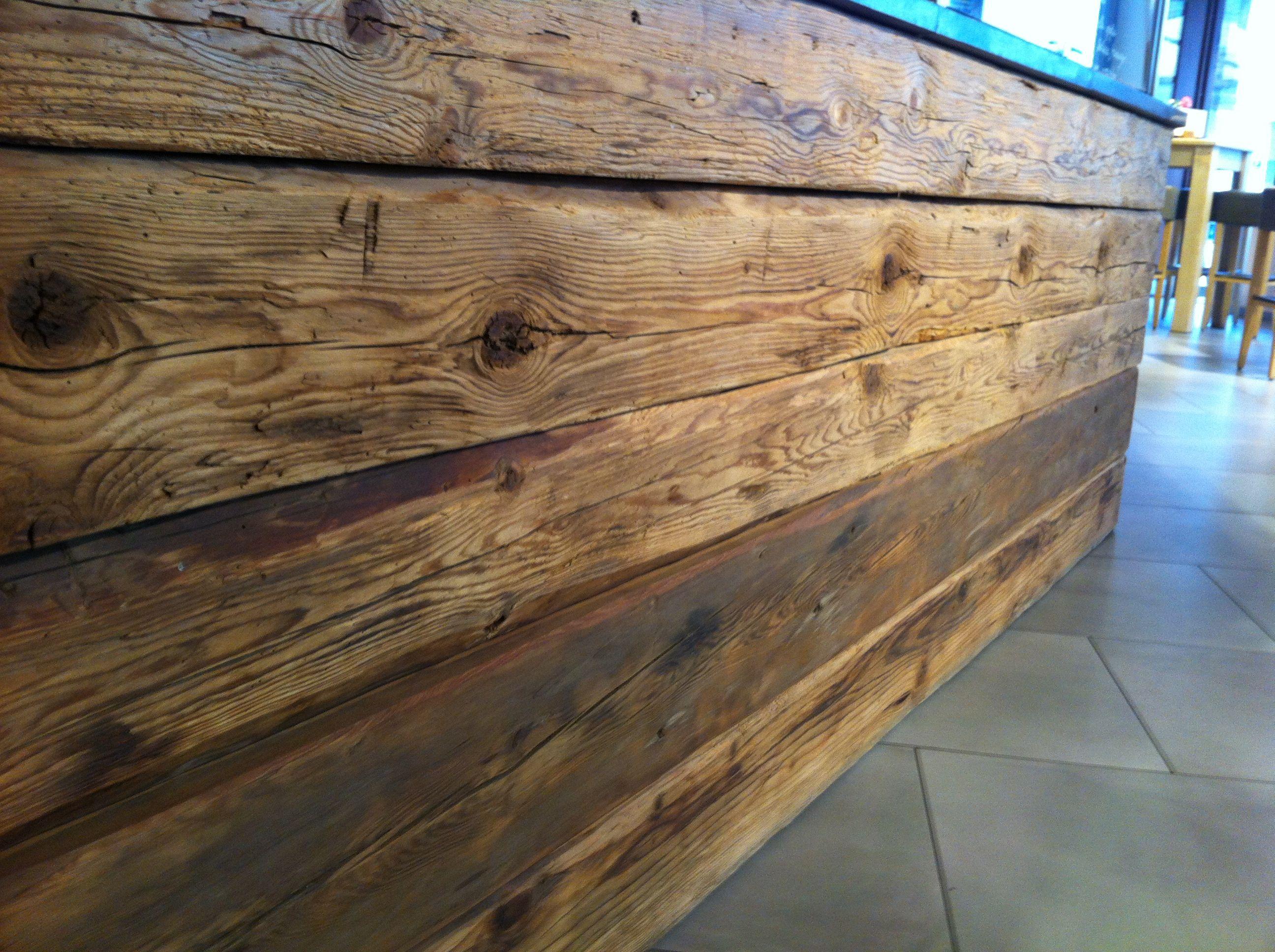 Idee Per Interni Bar : Esempi di angolo bar in casa con arredamento rustico