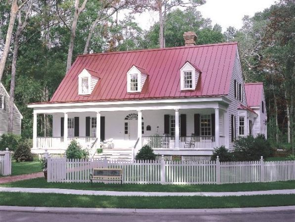Red Roof Farmhouse Farmhouse With A Red Metal Roof House Ideas Red Roof House River Cottage Cottage Plan