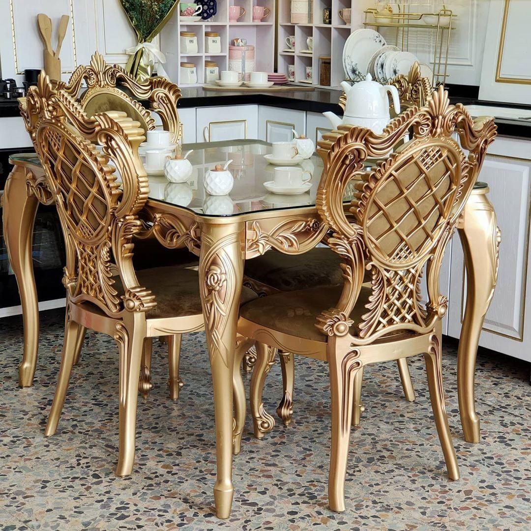 بيت العائلة On Instagram ميز طعام واربع كراسي ملكيات ابعاد الميز ١٢٠ ١٠٠سم السعر ٣١٠ الف دينار يتوفر توصيل لكافة المحافظات Dining Table Dining Dining Chairs