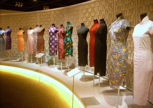Hong Kong Museum exhibition on the transformation of the Qipao (2010 -rachttlg.com)