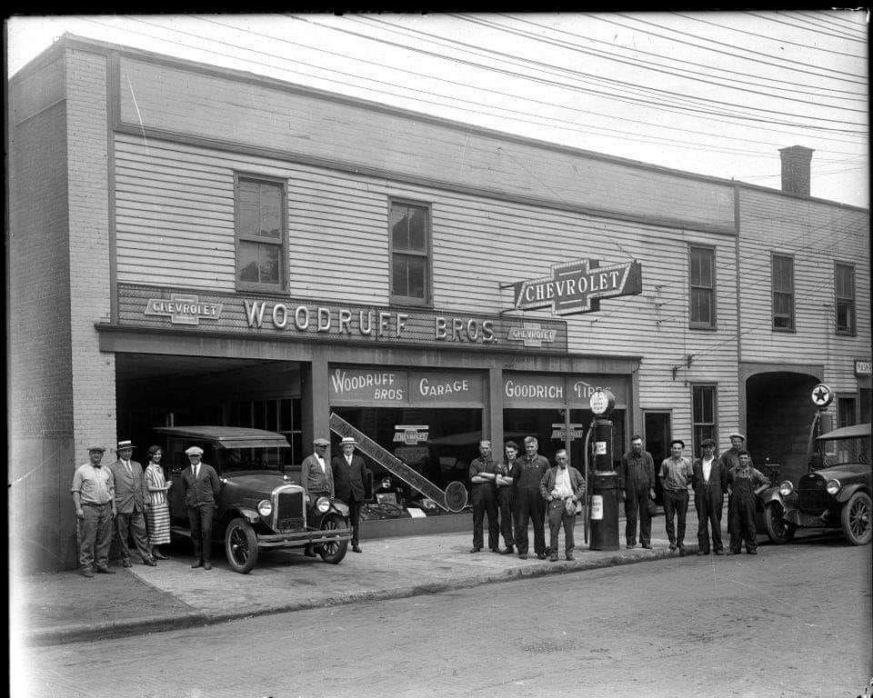 1935 Chevrolet dealership | Dodge dealership, Car ...