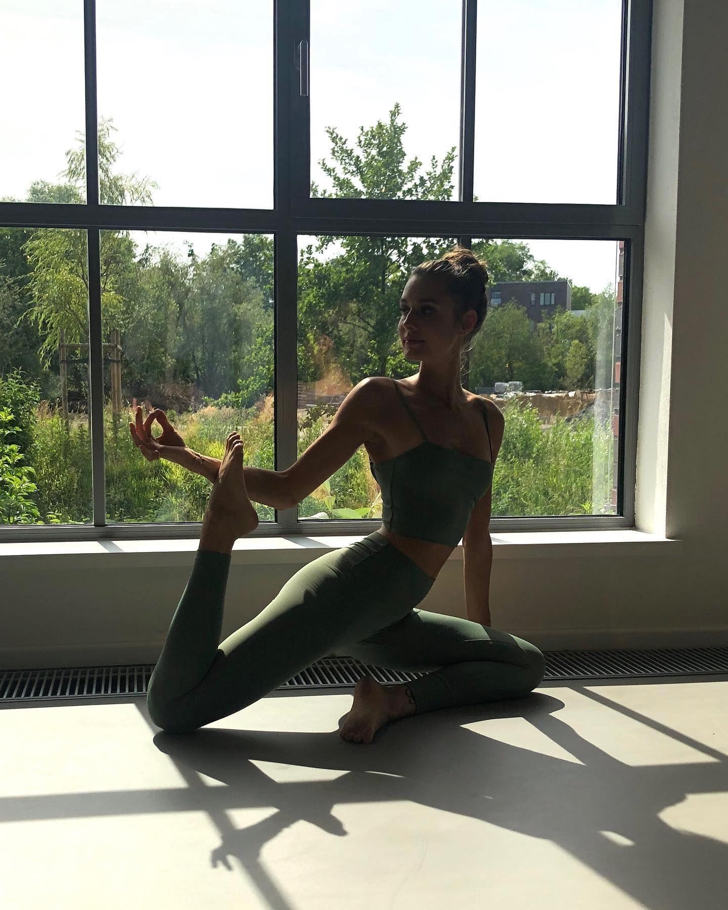 Our Fav Yoga Girl Antonianza In Our Earthy Sage Green Yoga Combo By Studio K Yogawear Studio Kolektif How To Do Pigeon Pos Yoga Girl Poses Pigeon Pose