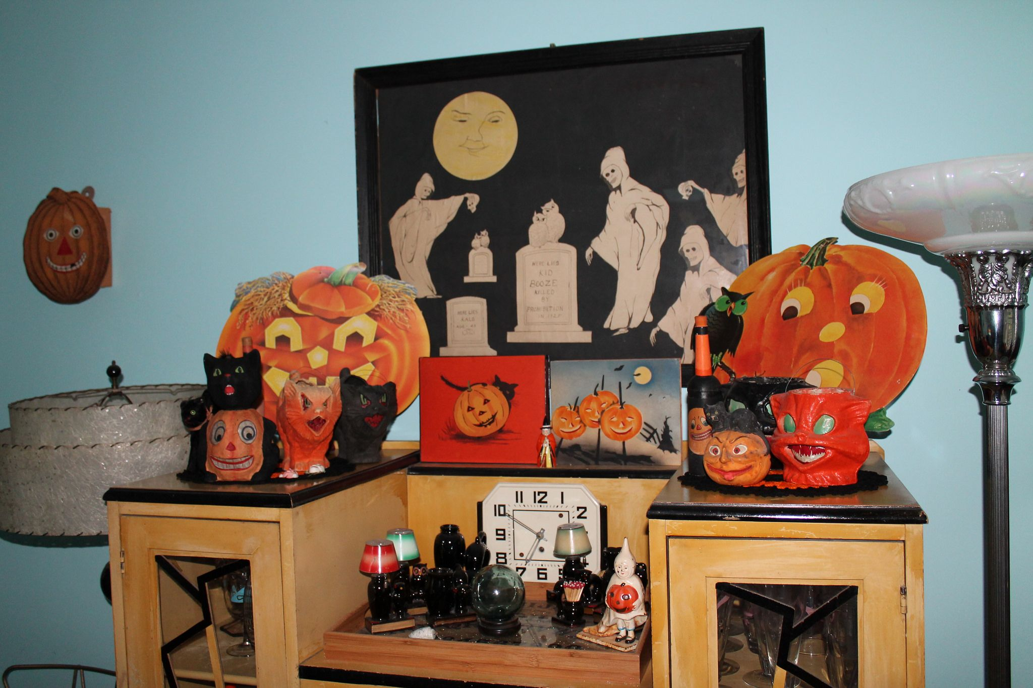 Httpsflickrppe8J8Q - Guest Room Halloween Display - Favourite Dennison Die