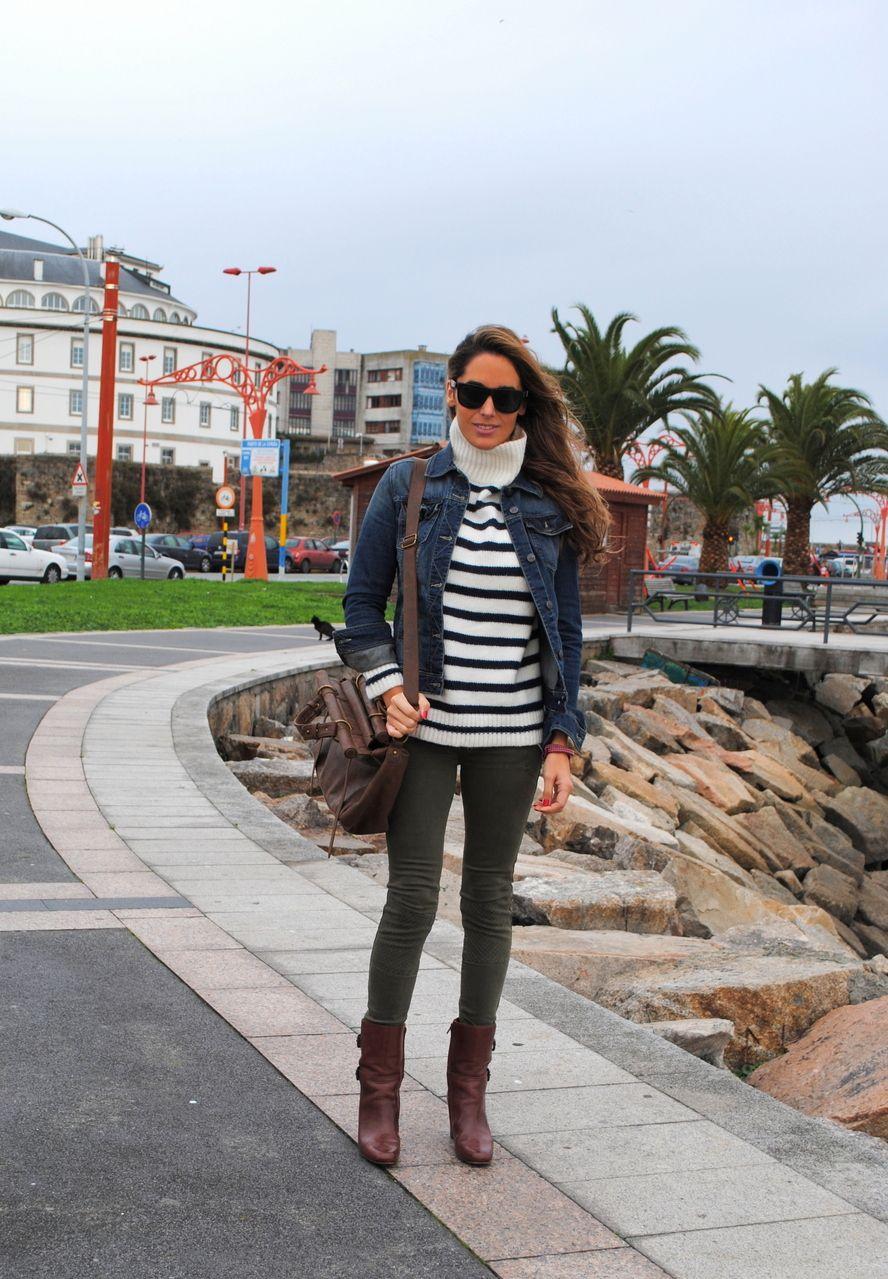 Stellawantstodie  sweater: Zara  bag: Urbaks   jeans: Pull & Bear  bracelet: Torques