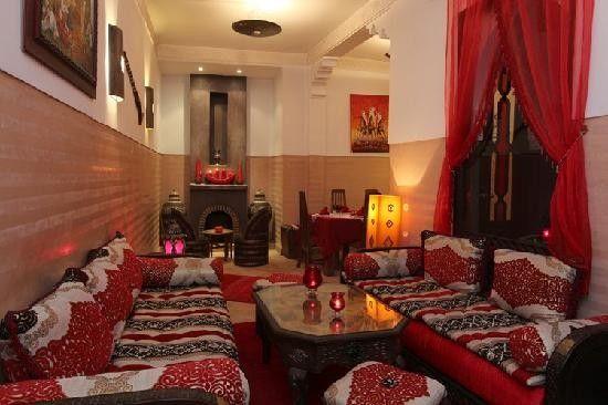 salon marocain en rouge | décoration oriental $$$ | Pinterest ...