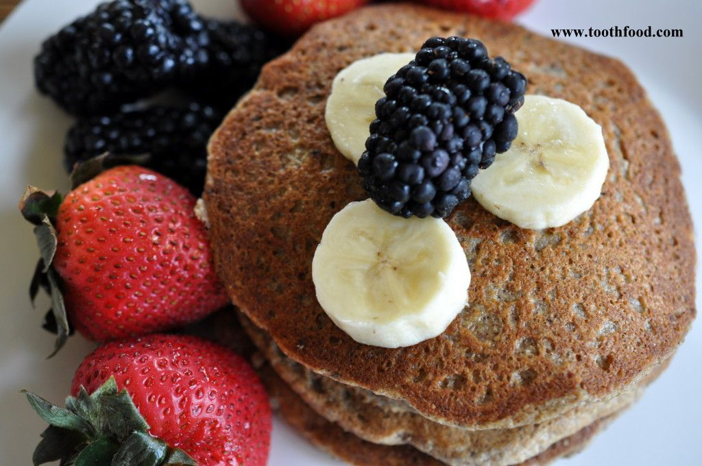 #Vegan Banana Oat Pancake #Breakfast: packed with over 6 grams of fiber and 368 mg of potassium, this naturally sweetened #plantbasedrecipe is great for reducing inflammation #hearthealthy #diabeticrecipe #oatflour #glutenfreepancakes #vegeanpancakes