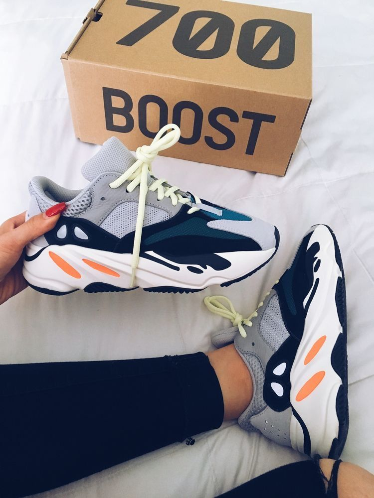 Adidas Yezzy Boost 700, le nuove sneakers che sono la fashion ossessione delle vip #sneakers