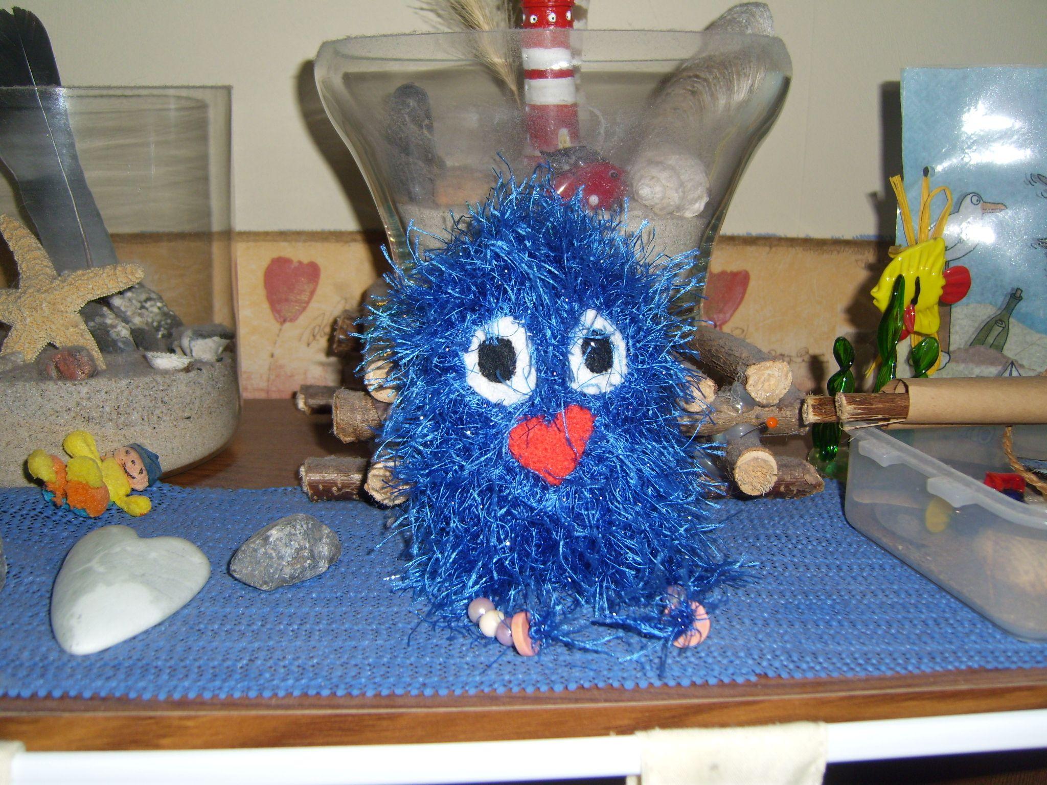 Das ist Blue ,aus blauem Effektgarn gearbeitet