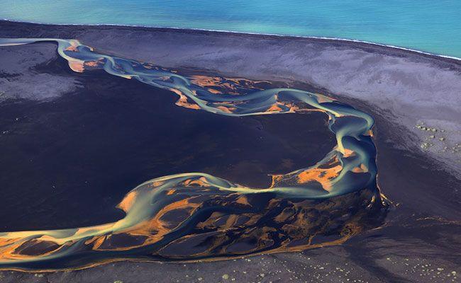 Photo of Fotógrafo registra imagens impressionantes de rios vulcânico…