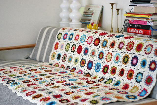 I love the colors in this sunburst granny afghan.