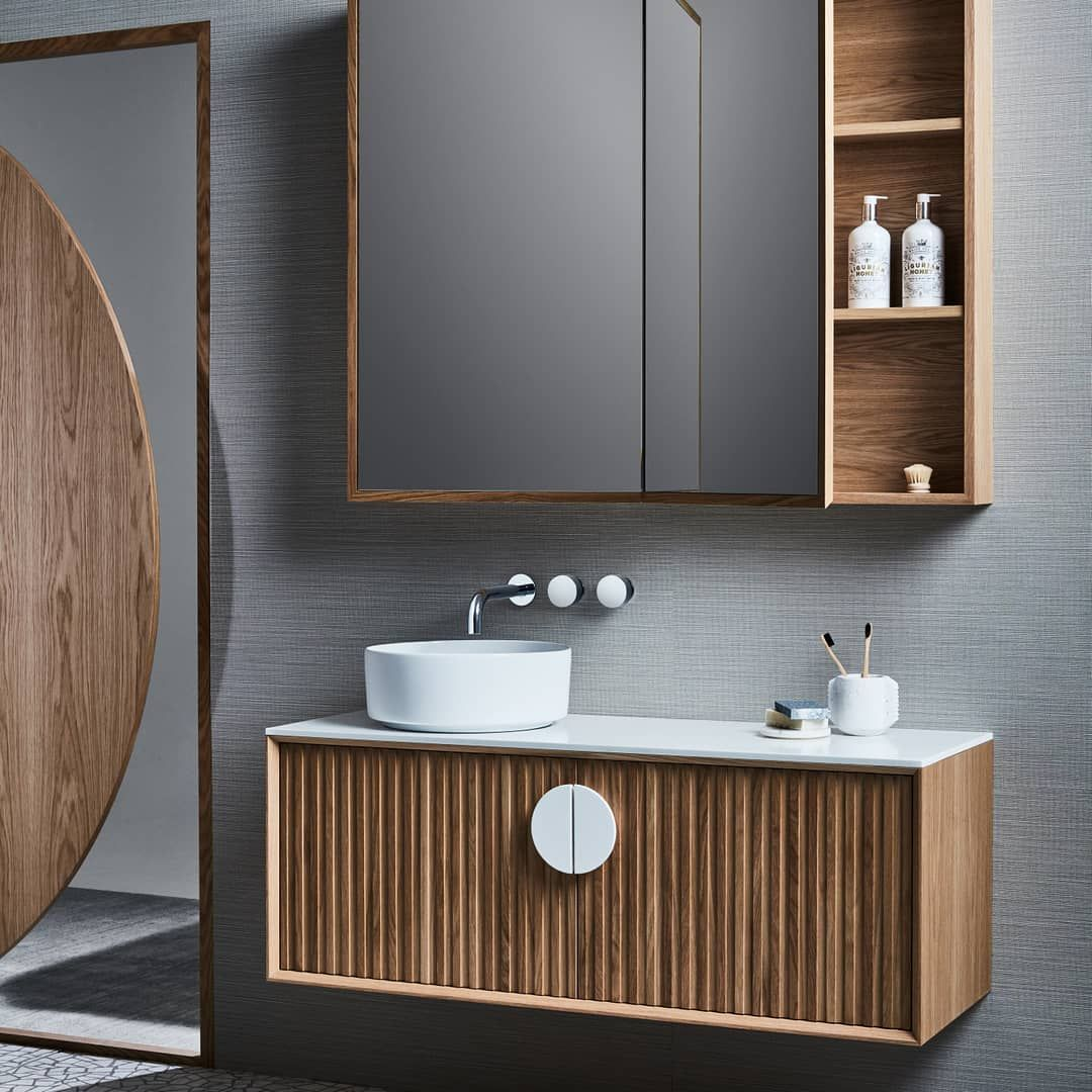 This Bathroom Is Both Luxurious And Practical Featuring The Issy