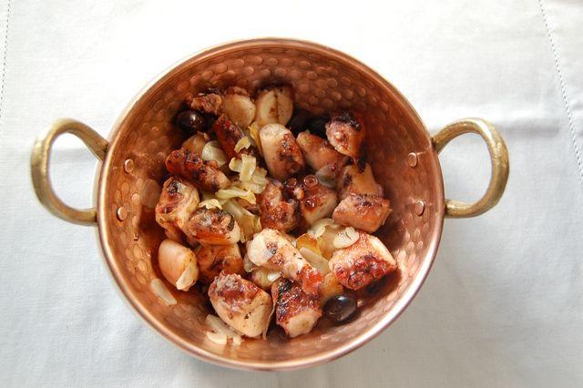 Panelinha de Polvo à Quinta de Santa Maria by Um Prato Português / A Portuguese Dish, via Flickr