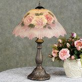 Love this lamp and matching flowers!