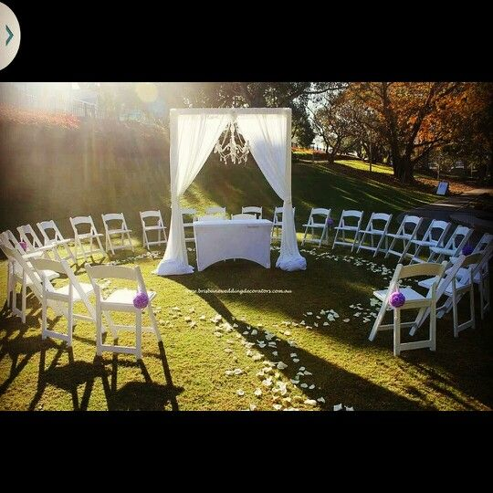 Brisbane Wedding Decorators Circular Setup Created Such An Intimate And Romantic Vibe For This Elegant