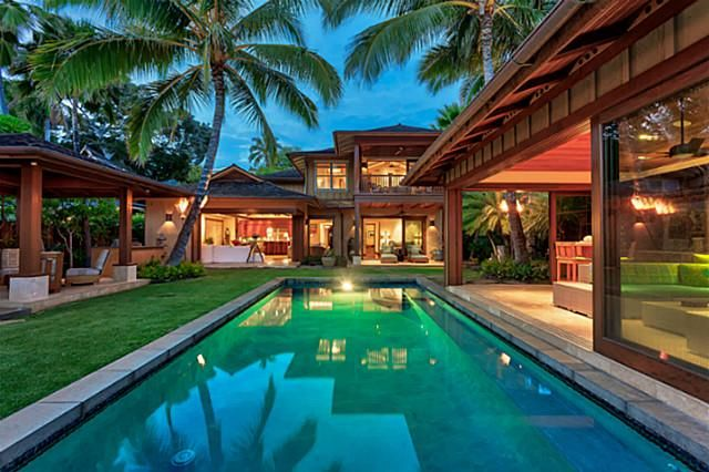 Diamond Head Oceanfront Luxury Home Offers Oahu Island Living