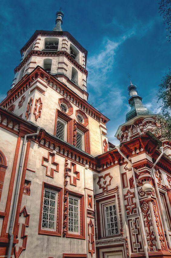 фото крестовоздвиженской церкви в иркутске пауков