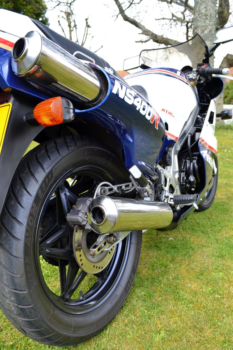 NS400R Twin pipes