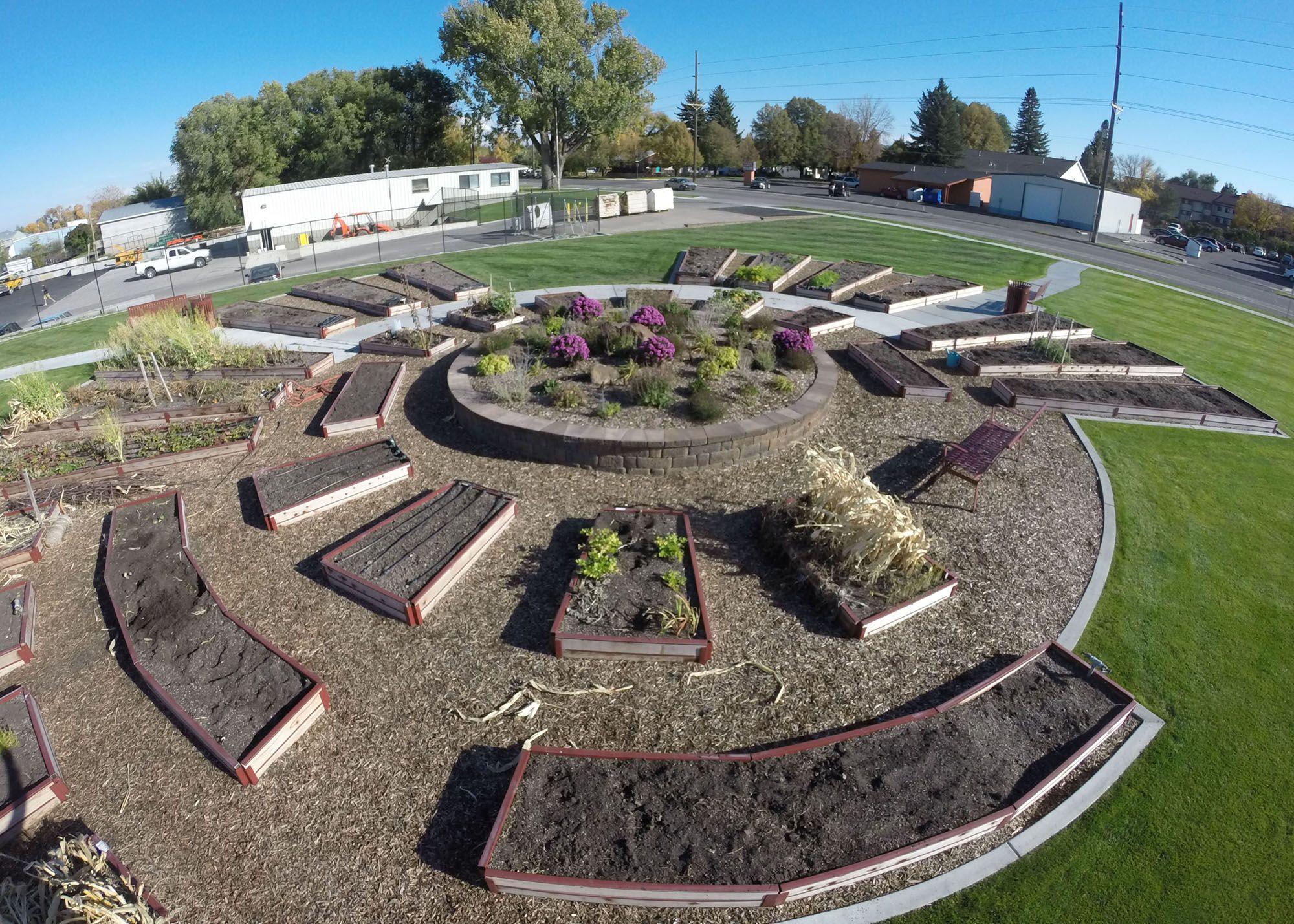 Configuration Kits Amazing gardens, Raised garden