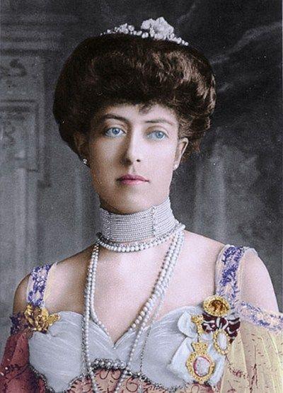 beautiful victorian women