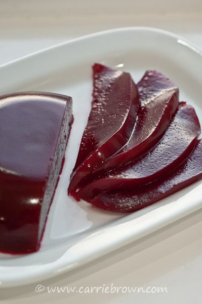 SANE Jellied Cranberry Sauce » Carrie Brown | Life in the SANE lane - I would add some orange extract #cranberrysauce
