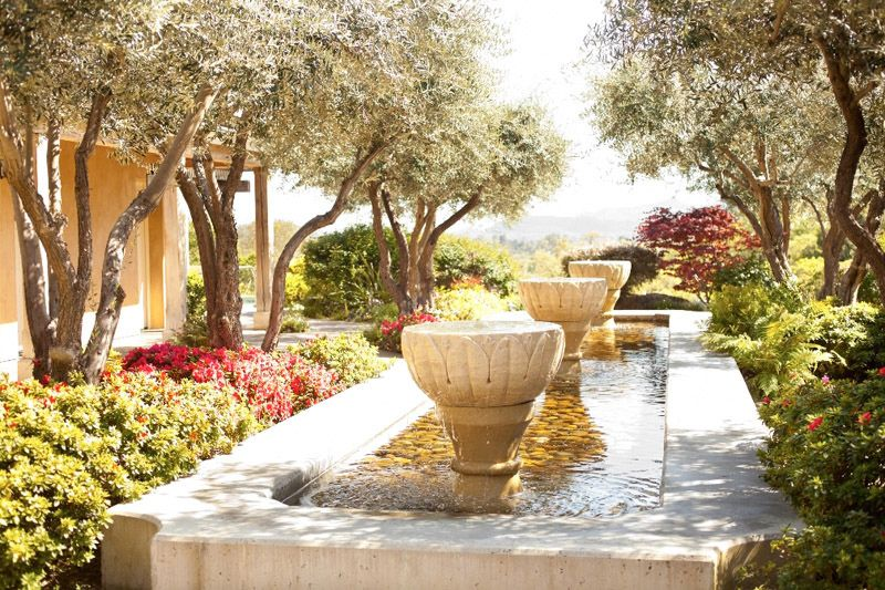 Between The Boxwoods: Travel Tuesday - Auberge Du Soleil!