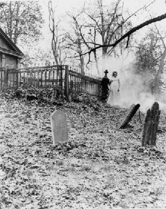 #cemetery #haunting #darkshadows