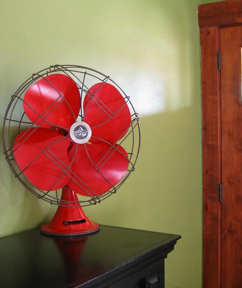 red_vintage_fan