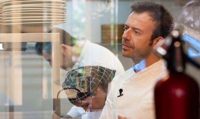 Este chef y su restaurante son embajadores de la gastronomía de España en la capital británica. Descubre por qué
