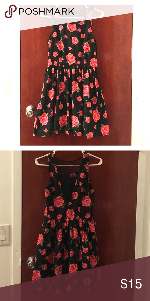 Floral dress Wore it 2-3 times Forever 21 Dresses Midi