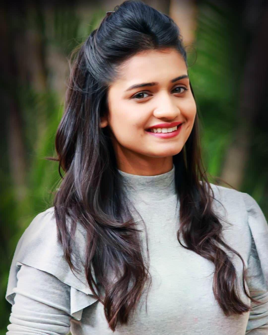Hruta Durgule Marathi Actress Biography Photos Phulpakharu Serial Wiki Birth Date Beauty Full Girl Beauty Girl Beautiful Girl Face