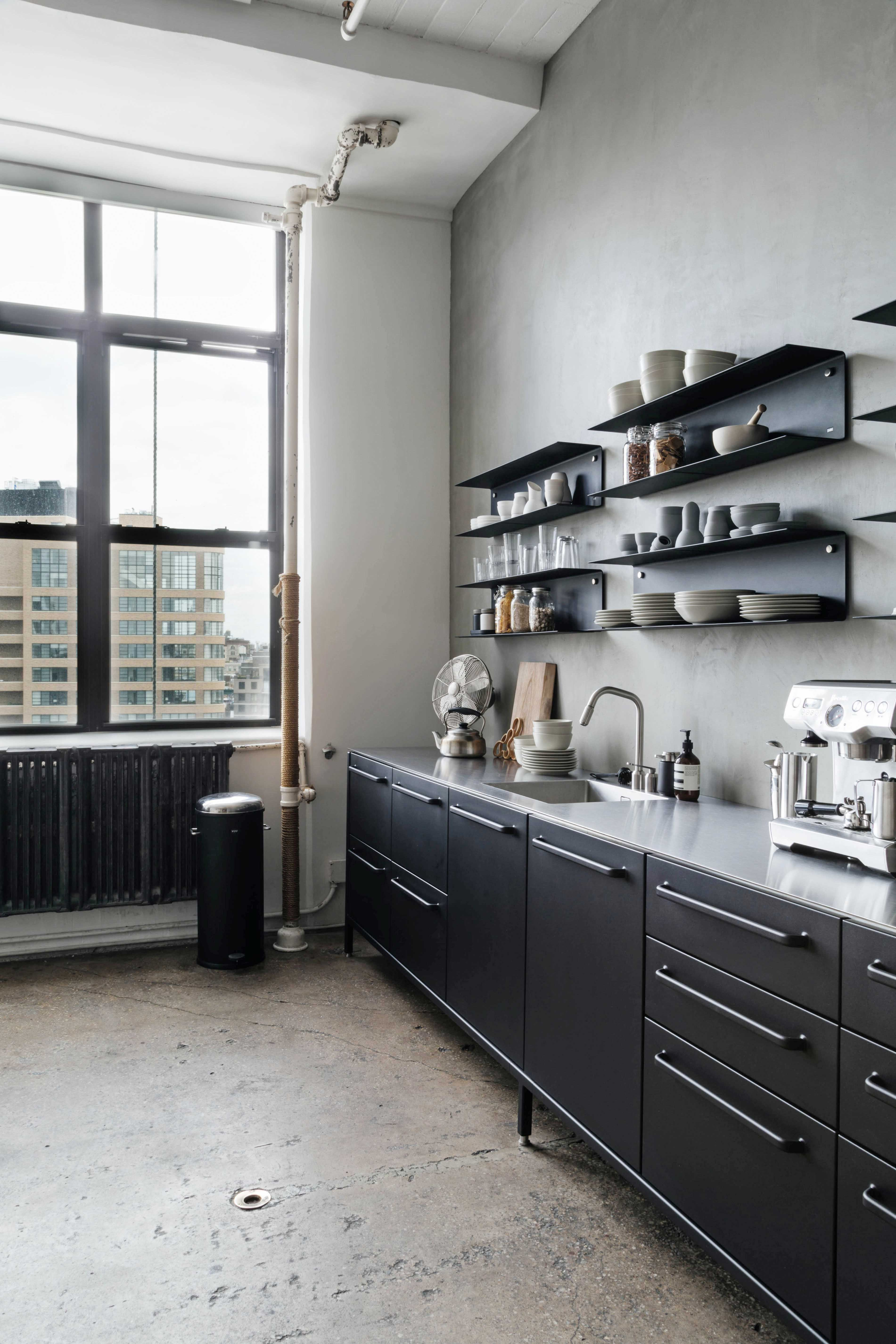 Wonderful Modularity In Manhattan   A Black Vipp Kitchen And Shelving Units  Overlooking Soho Pictures
