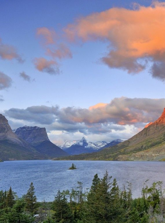 Bow Lake With The Crowfoot Mountain During Summer O Canada