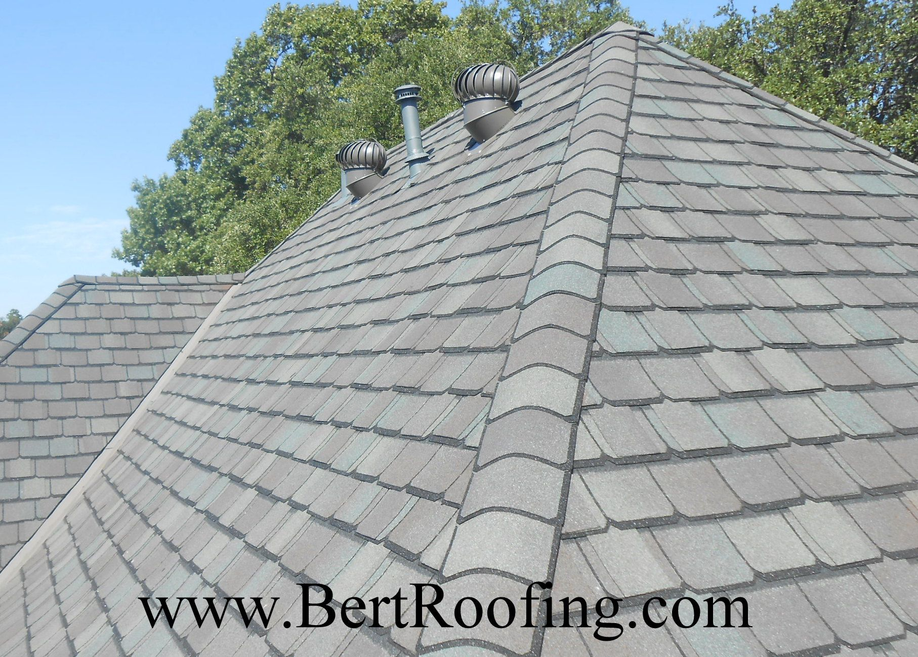Certainteed Grand Manor Composition Shingle Color Gatehouse Slate Installed By Bert Roofing Inc Of Dallas In Dallas On Septem Roofing Shingling Roof Shingles