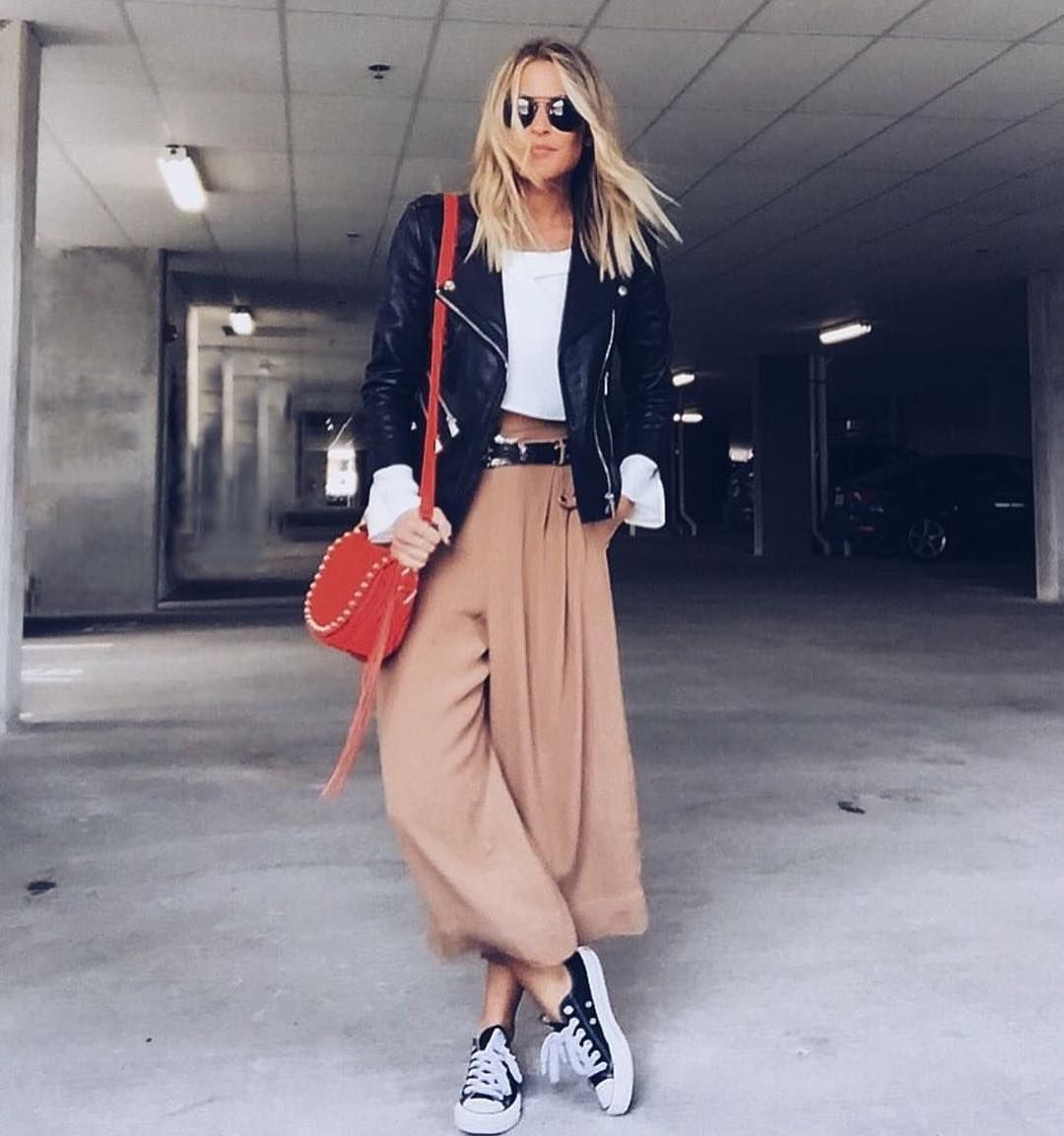 OOTD is @lindsaymarcella #howtochic #ootd #outfit