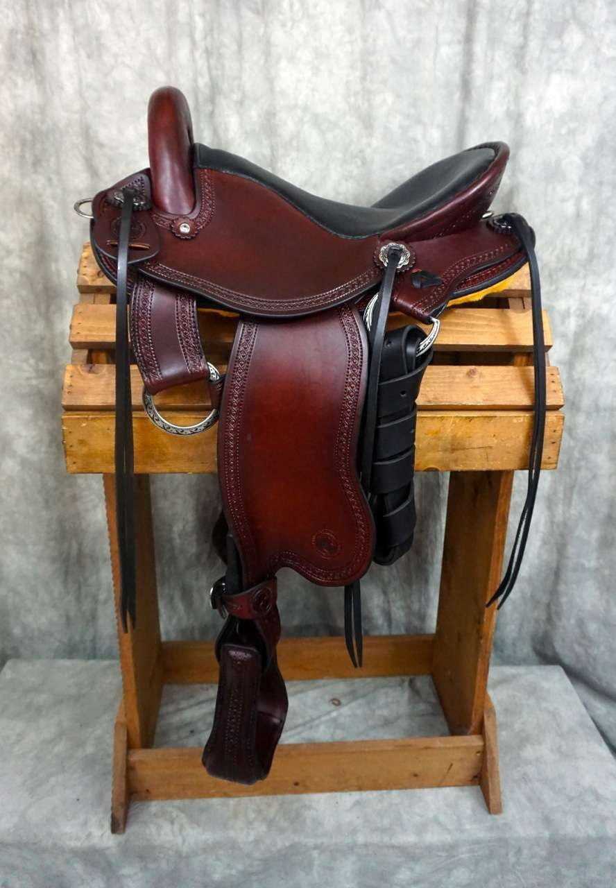 New Full Quarter Horse Fit Renegade Endurance | Saddle Up | Trail