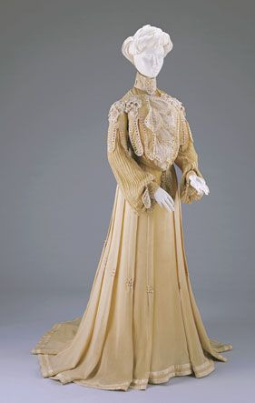 AFTERNOON DRESS: BODICE AND SKIRT  1902-1903