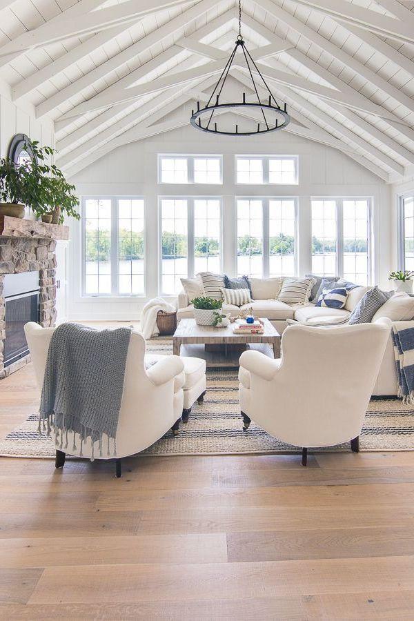 Amazing Clean Coastal Living Room Decorating Ideas 22 #livingroomideas