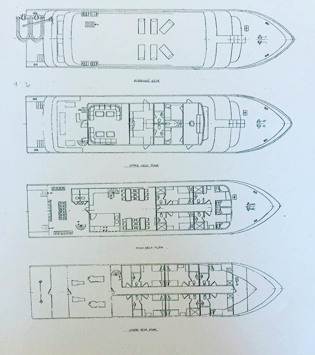 The Infiniti Is A 39meter Liveaboard Superyacht With Four Decks Lounge Dining Room Sundeck Kitchen Dive